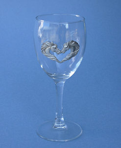 KISSING HORSE WINE GLASS