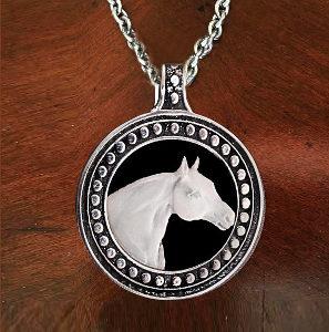 QUARTER HORSE CAMEO NECKLACE